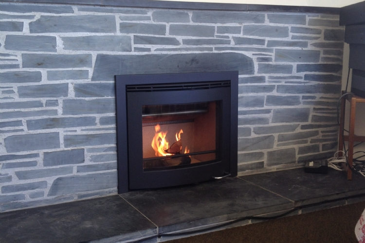 Scan DSA 4-5 in a stone fireplace