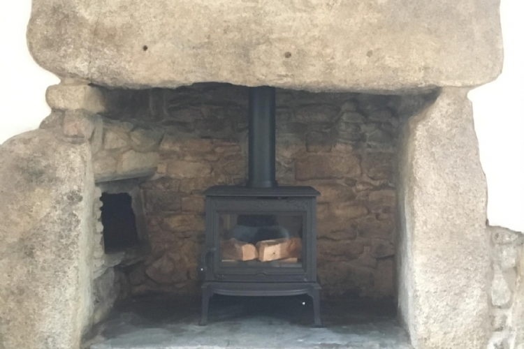 Jotul F100 installed in Cornwall