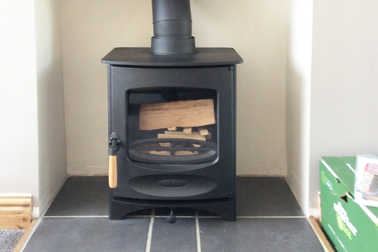 Charnwood C4 in a smalll fireplace